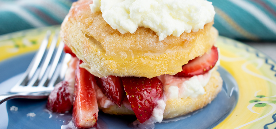 FFES-EASY-STRAWBERRY-SHORTCAKE