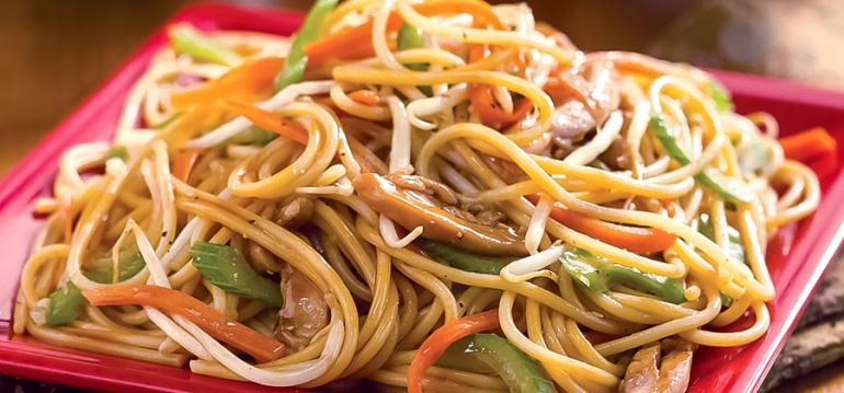 Chicken & Vegetable Chow Mein