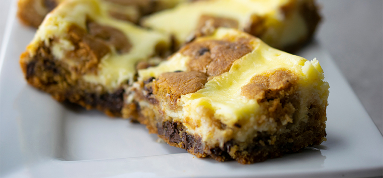 Chocolate Chip Cheesecake Bars - 14868