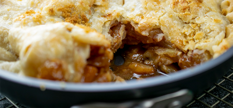 Skillet Apple Pie with Caramel Sauce - 14868