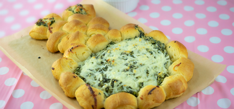 Easter Bunny Rolls with Spinach Dip - 15604